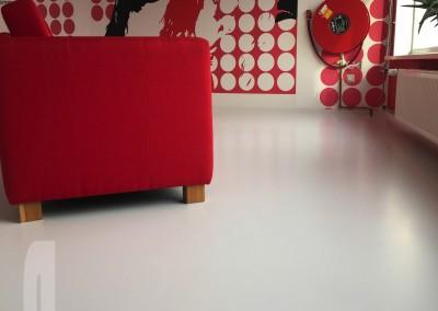 Mono Art gietvloer | wit | kantoorpand